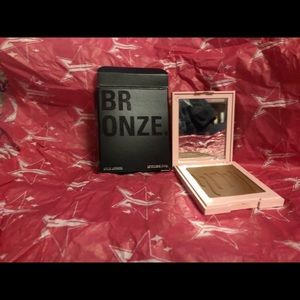 Kylie Cosmetic Bronzer!